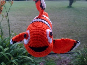 I am posting this little Nemo clown fish for anyone interested, but I will warn in advance that there are MANY pieces to this... it can get frustrating! But, he is kind of cute... BUT, you have been warned =) lol
